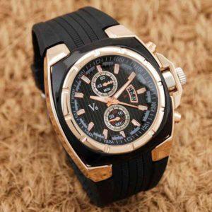 Мъжки часовник със спортен дизайн и модна визия
